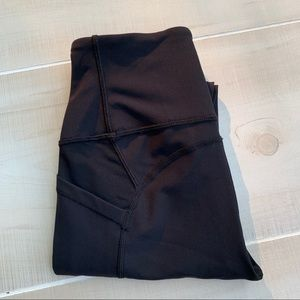 "EUC Lululemon ATRP Crop (26"") Black sz 2"